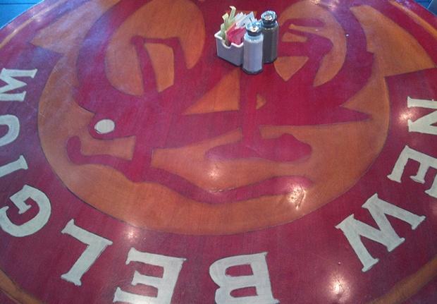 Beerrestaurant table at Denver International Airport