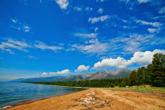 Lake Baikal © GalaZak/iStock/Thinkstock [http://www.thinkstockphotos.co.uk/image/stock-photo-landscape-on-lake-baikal/456749301]