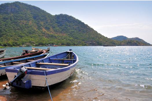 Lake Malawi © mtcurado/iStock/Thinkstock [http://www.thinkstockphotos.co.uk/image/stock-photo-monkey-bay-boats-on-lake-malawi/187928232]