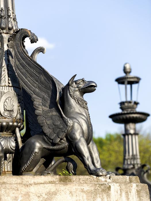 Griffins © nickpo/iStock/Thinkstock [http://www.thinkstockphotos.co.uk/image/stock-photo-sculpture-of-griffin-on-stone-pedestal/452018719]