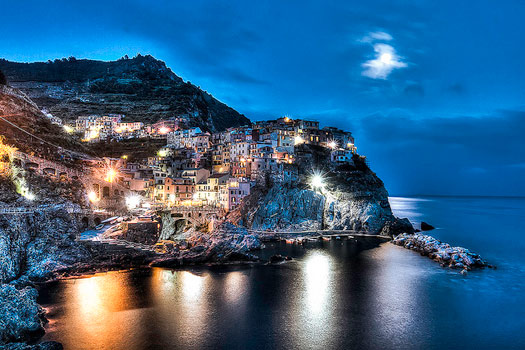 Manarolo, Cinque Terre, Italy. Photo by kelvin Lynch