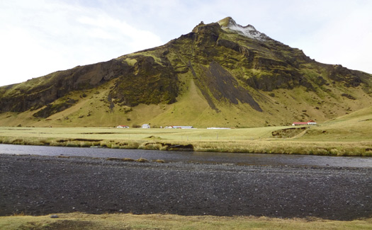 12a mountain-near-skogafoss
