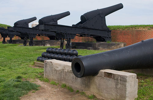 Canons at Fort McHenry (Image: sneakerdog)