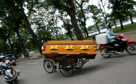 casket bicycle race