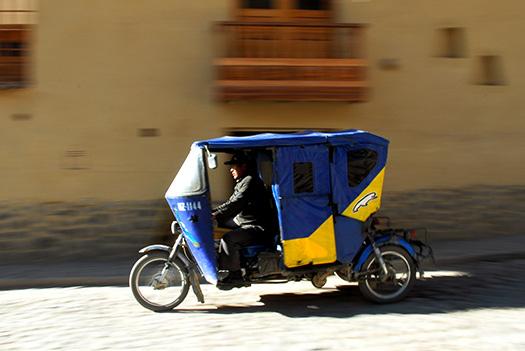 Moto taxi (Image: tinou bao)