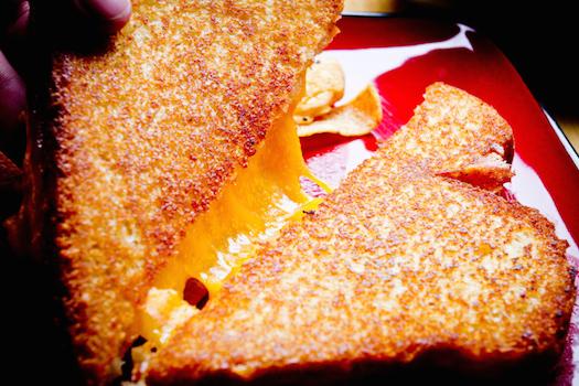 Grilled Cheese Sandwich © Bob Ingelhart/iStock/Thinkstock [http://www.thinkstockphotos.co.uk/image/stock-photo-grilled-cheese-sandwich/168839541]