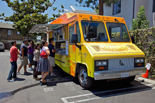 Grilled Cheese Truck © Kevin Stanchfield [http://www.flickr.com/photos/sgt_spanky/4790960915/]
