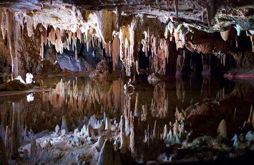 Luray Caverns, Virginia (Image: joncallas)