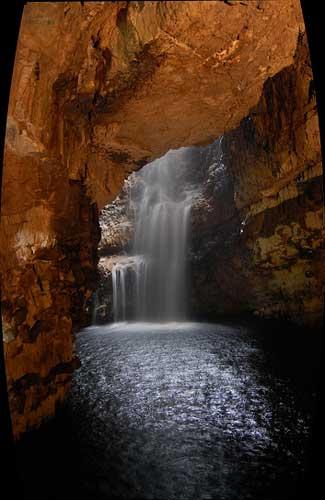 Smoo Cave, Scotland (Image: subflux used under a Creative Commons Attribution-ShareAlike license)