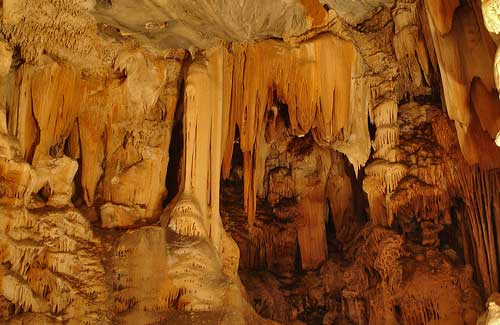 Cango Caves, South Africa (Image: andy jou)