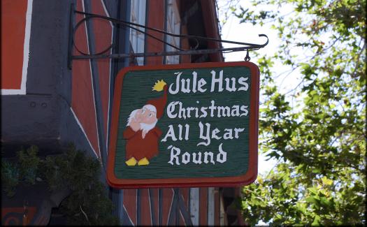 Store sign in Solvang, California (Image: Doug Wertman)