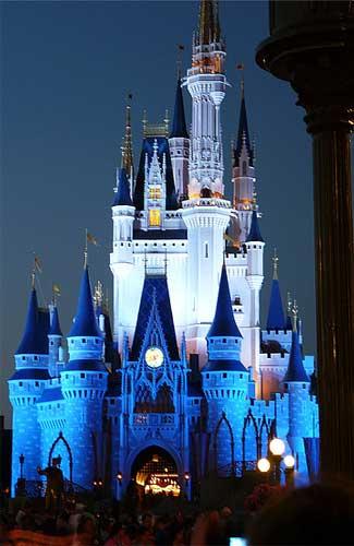 Disney World Castle (Image: JarZe used under a Creative Commons Attribution-ShareAlike license)