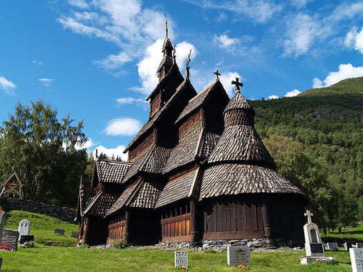 Borgund Stavekirk, dedicated to  the Apostle St. Andrew. Photo: zoetnet