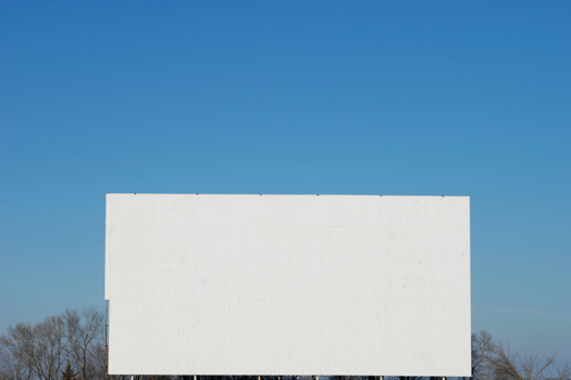 Screen © Dale Morrow/iStock/Thinkstock [http://www.thinkstockphotos.co.uk/image/stock-photo-drive-in-movie-closed-for-winter/118982342]