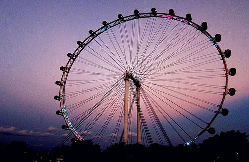 Singapore Flyer (Image: kudumomo)