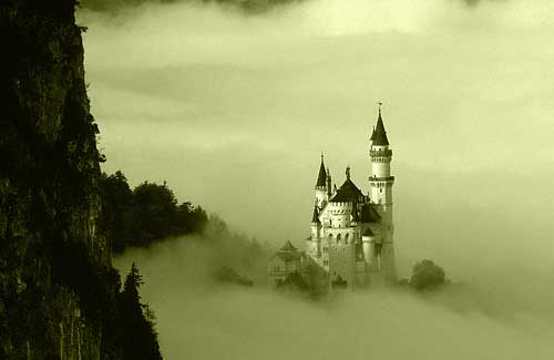 Neuschwanstein Castle in Bavaria, Germany (Image: damian_hunt)