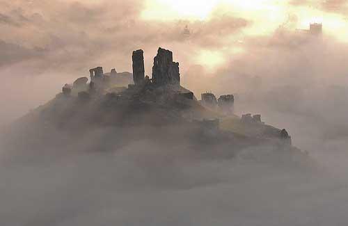 Corfe Castle, England (Image: davidbunting)