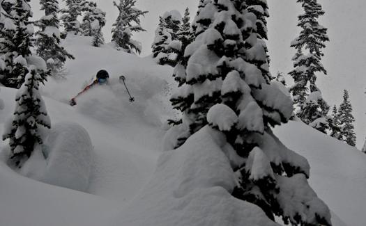 Heli-skiing at Revelstoke, British Columbia, Canada (Image: Selkirk Tangiers Heli Skiing)
