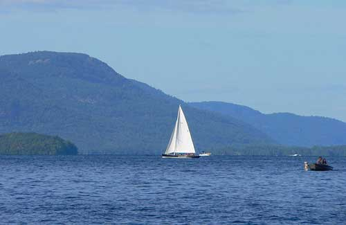 Lake George, New York (Image: T. Rowe)