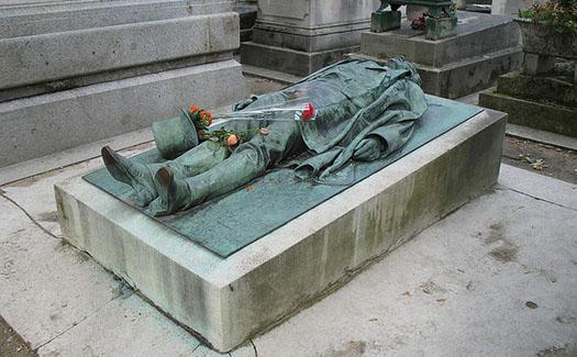 Statue of Victor Noir, Père Lachaise Cemetery