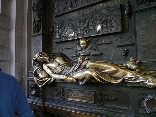 Everard t'Serclaes Statue