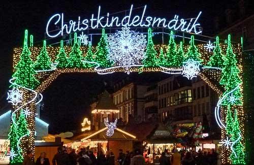 Christkindelsmarik, Strasbourg, France (Image: dierk schaefer)