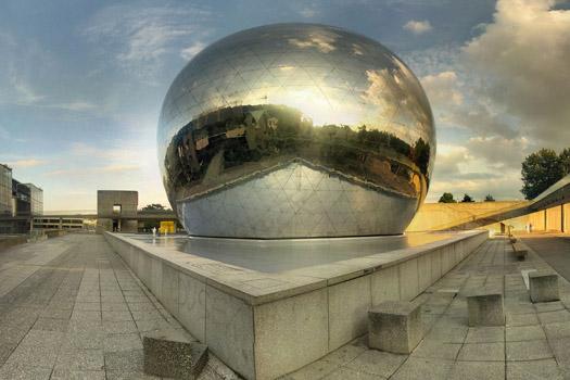 La Cité des Sciences et de l'Industrie © Panoramas/flickr (https://www.flickr.com/photos/ranopamas/224365784/in/photostream/)