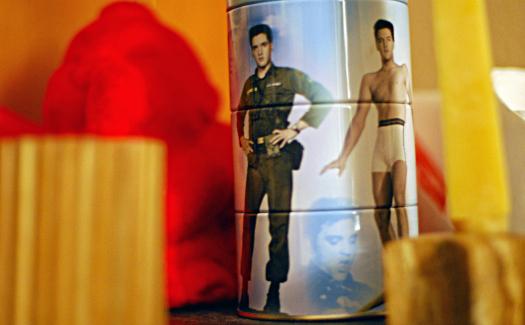 Elvis memorabilia (Image: cobblucas)