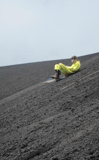 Volcano sledding (Image: ericyeargan)
