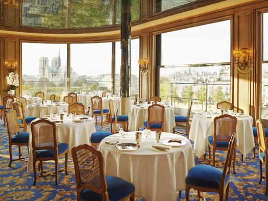 The restaurant hall. Photo by La Tour d'Argent