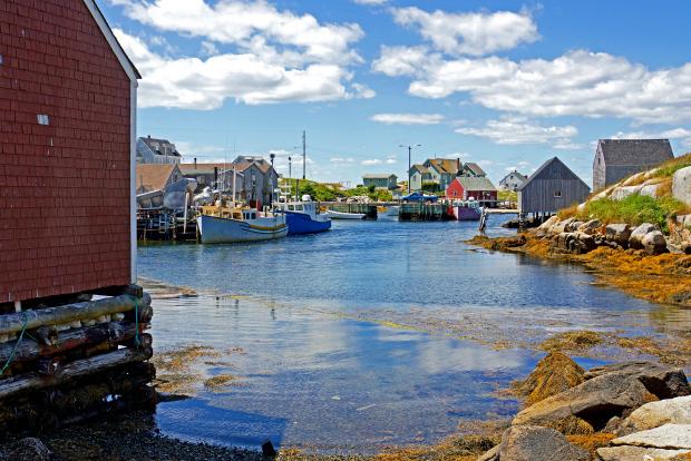 Dennis Jarvis, DSC01082 - Peggy's Cove via Flickr CC BY-SA 2.0