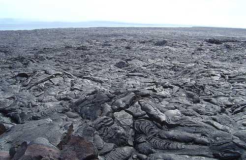 Lava fields in Hawaii (Image: puuikibeach)