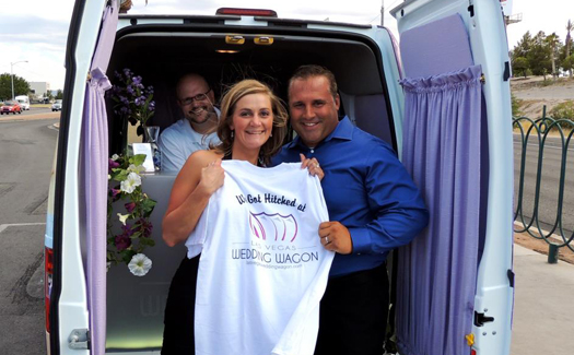 Getting hitched at the Las Vegas Wedding Wagon (Photo: Las Vegas Wedding Wagon)