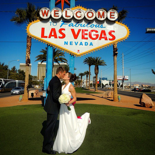 Wedding In Las Vegas.Walking Down The Aisle Sin City Style 13 Top Vegas Chapels And