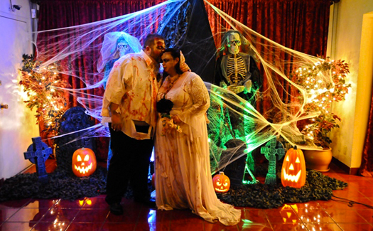 Zombie-themed wedding at Viva Las Vegas (Photo courtesy of Viva Las Vegas Themed Weddings, Inc.)