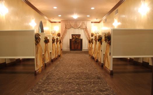 Inside Graceland Wedding Chapel (Image: Graceland Wedding Chapel)
