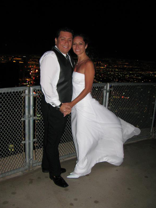 Getting hitched high above The Strip on the Stratosphere observation deck (Image: sadsnaps)