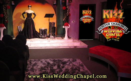 """The """"Hotter Than Hell"""" Wedding Chapel (Image: Monster Mini Golf)"""
