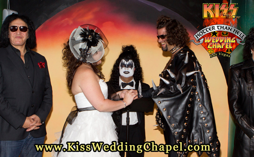 """A Gene Simmons-lookalike officiates a wedding at the """"Hotter than Hell"""" Wedding Chapel (Image: Monster Mini Golf)"""