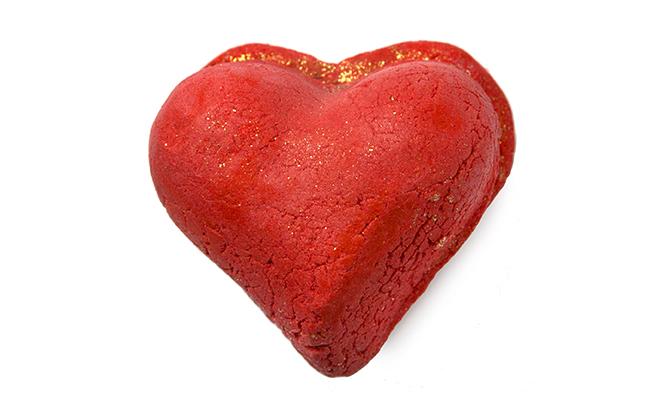 Heart Throb Bubbleroon (Image: LUSH)